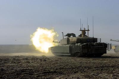 Challenger tank firing