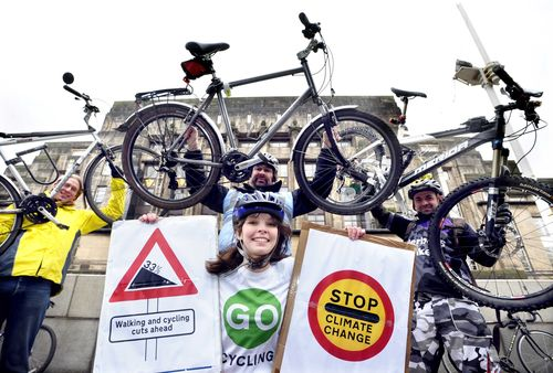 Cyclists campaign to cut climate pollution