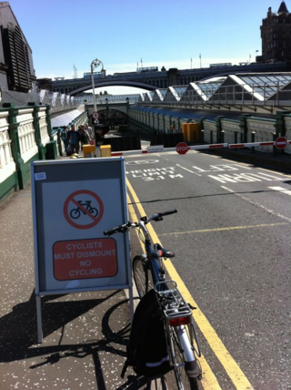 No cycling sign at Waverley station