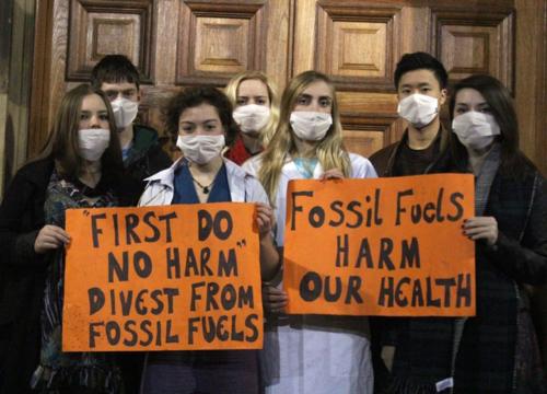 Edinburgh University medical students (thanks to Ric Lander, Friends of the Earth Scotland)