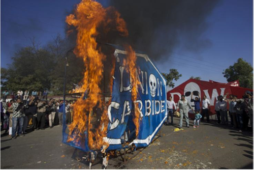 Union Carbide logo in flames (thanks to Colin Toogood)