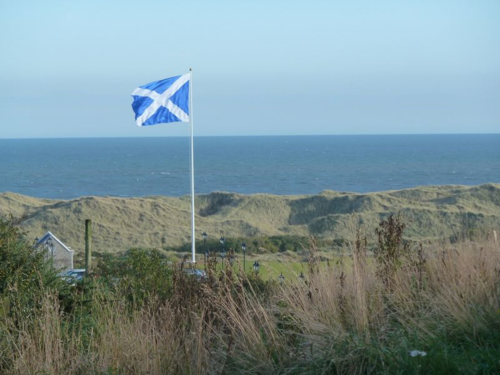 Flag at Trump's Aberdeenshire golf resort (photo thanks to Sue Edwards)
